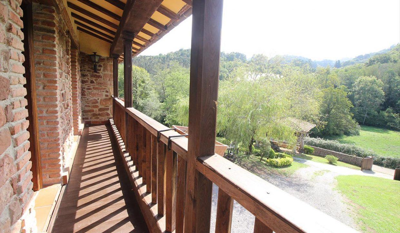 4984 casa tradicional venta Villaverde house for sale mountain views near Villaviciosa asturias northern spain balcon (1280x768)