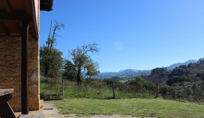 7504 El Mortorio Asturias pueblo entero vistas montanas whole village mountain view terraza