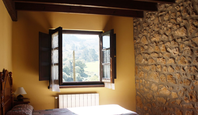 7514 El Mortorio Asturias pueblo entero vistas montanas whole village mountain view dormitorio bedroom