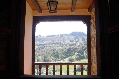 7547 El Mortorio Asturias pueblo entero vistas montanas whole village mountain view balcon