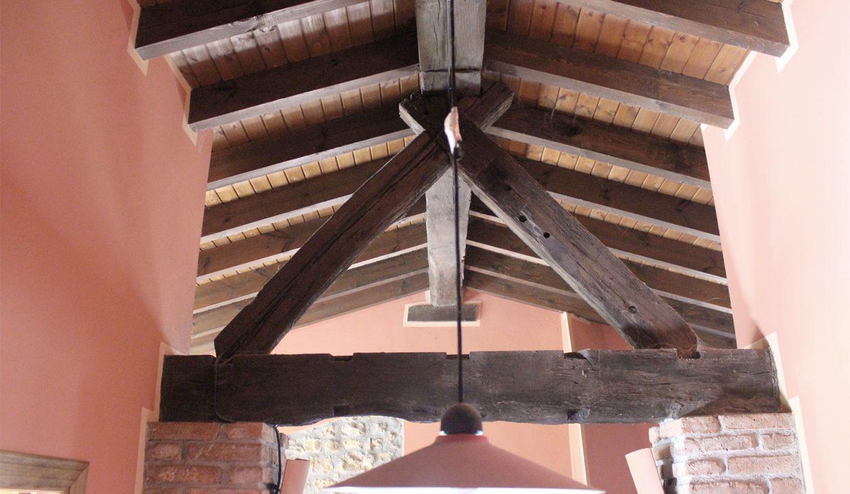 7674 El Mortorio Asturias pueblo entero vistas montanas whole village mountain view roof truss