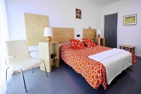 12_Hotel Amada Carlota venta vistas montana holiday hotel for sale asturias northern spain_dormitorio (1280x768)