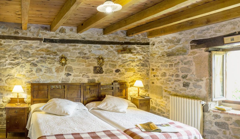 Habitación 5 casa hotel posada real prado mayor piedra stone hotel business negocio Burgos Santander (1280x768) - Kopie