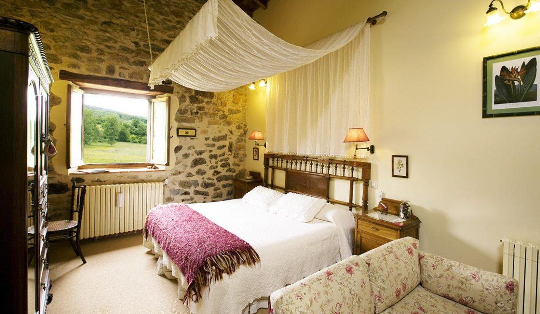 Suite B1 casa hotel posada real prado mayor piedra stone hotel business negocio Burgos Santander (1280x768)