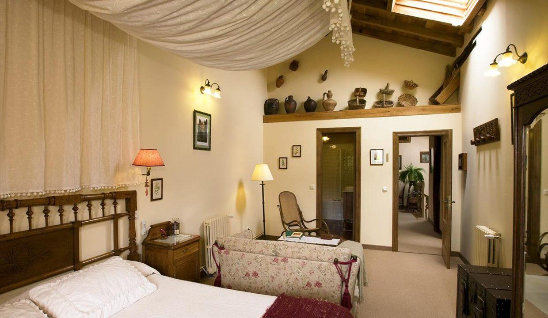 Suite B2 casa hotel posada real prado mayor piedra stone hotel business negocio Burgos Santander (1280x768)