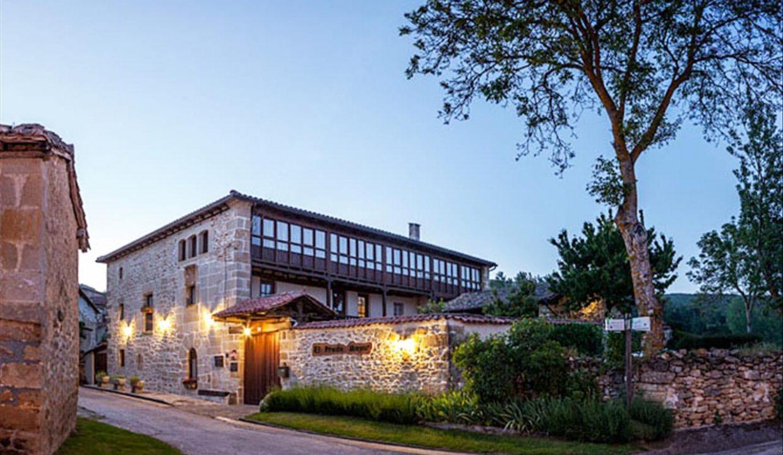 a1 Prado Mayor_exterior casa hotel posada real prado mayor piedra stone hotel business negocio Burgos Santander (1280x768) - Kopie