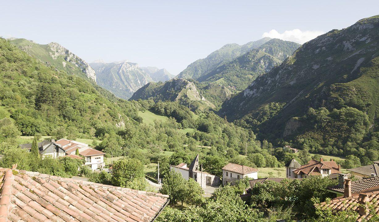 0007 casa piedra tradicional venta stone house for sale vistas montana mountain views near cangas de onis asturias northern spain