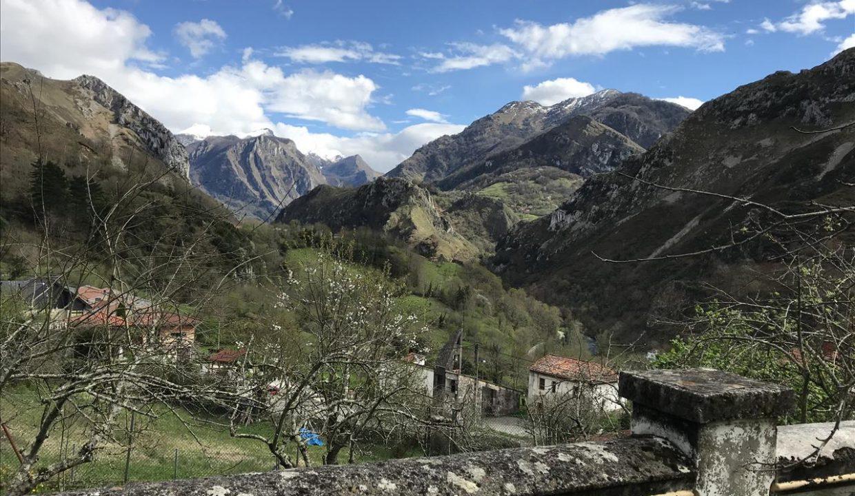 0646 casa piedra tradicional venta stone house for sale vistas montana mountain views near cangas de onis asturias northern spain