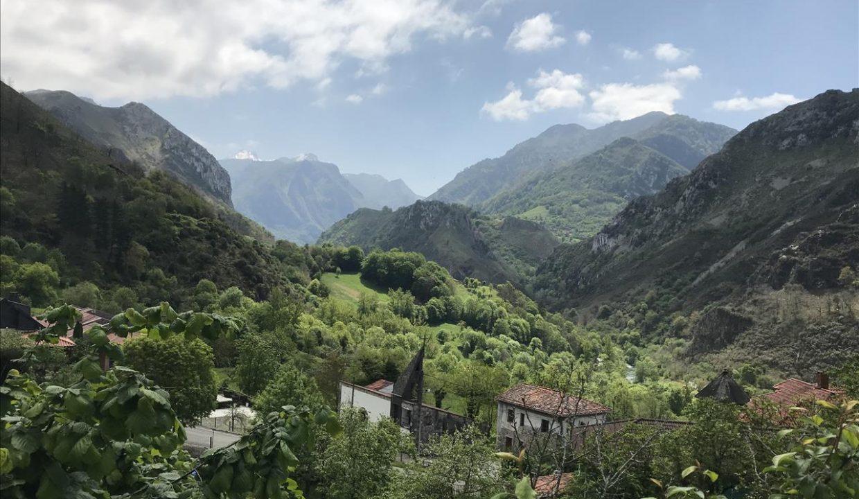 0895 casa piedra tradicional venta stone house for sale vistas montana mountain views near cangas de onis asturias northern spain