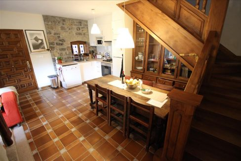 3715 casa piedra tradicional venta stone house for sale vistas montana mountain views near cangas de onis asturias northern spain dining comedor