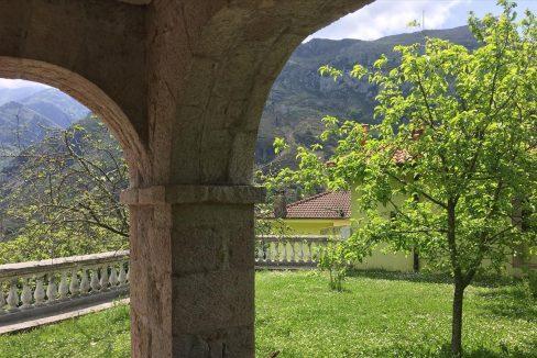 4d93d casa piedra tradicional venta stone house for sale vistas montana mountain views near cangas de onis asturias northern spain arch