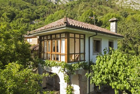 Sames 2 casa piedra tradicional venta stone house for sale vistas montana mountain views near cangas de onis asturias northern spain