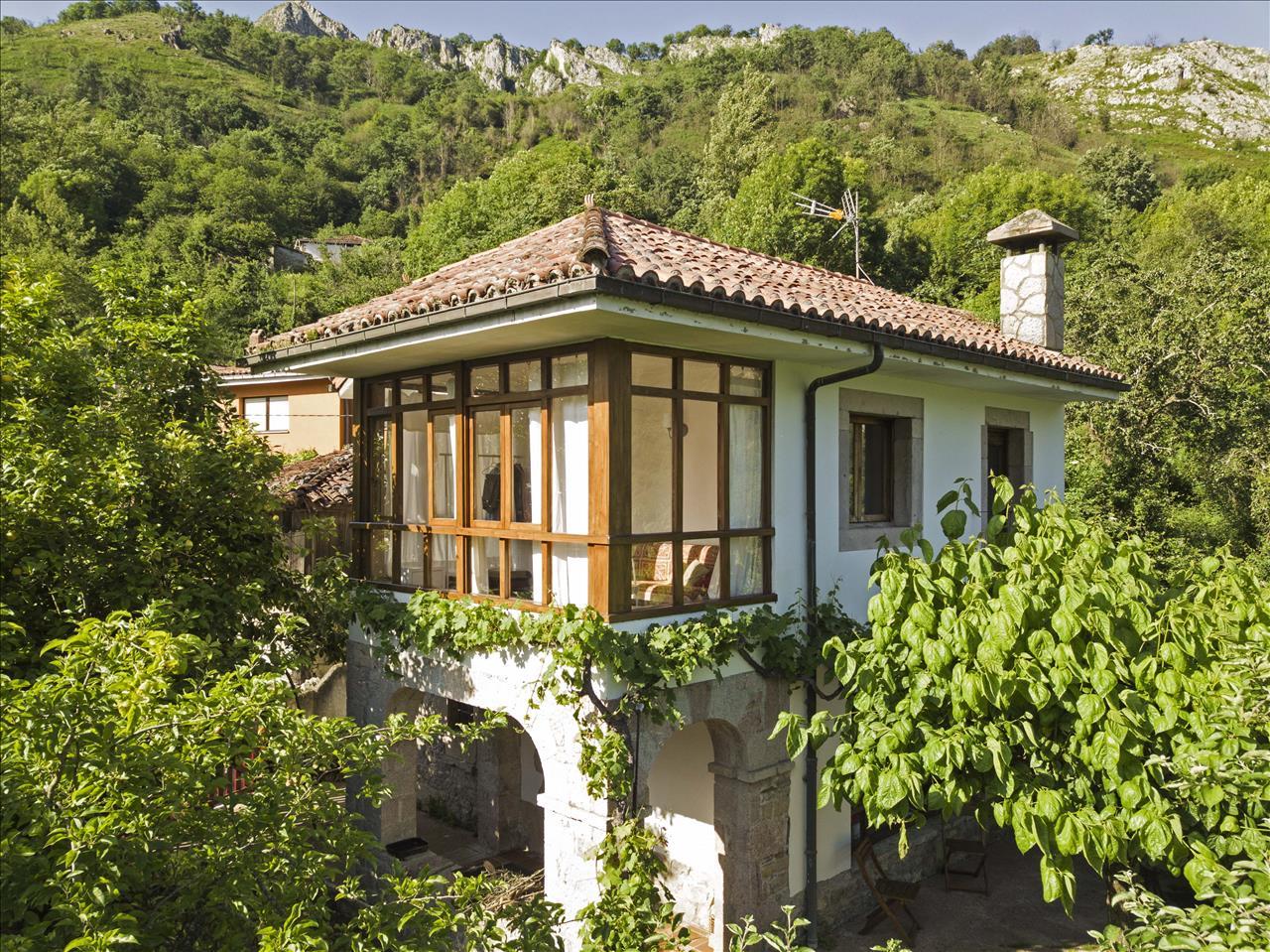 Asturianisches Steinhaus mit spektakulärer Aussicht